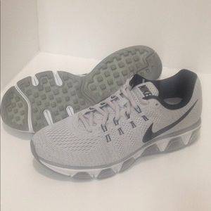 ⚡️WOMEN'S SIZE 10 NIKE AIR MAX TAILWIND 8